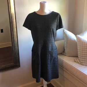 LOFT black and white speckled dress with pockets